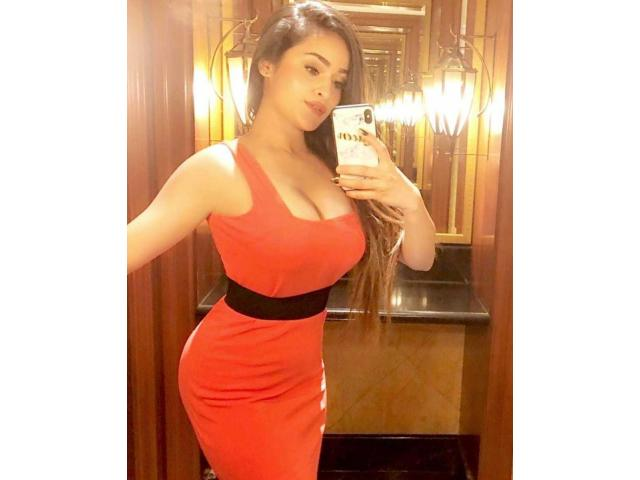7834811110 TOP INDEPENDENT ESCORTS SERVICE IN GURGAON DELHI HOME AND HOTEL SERVICE